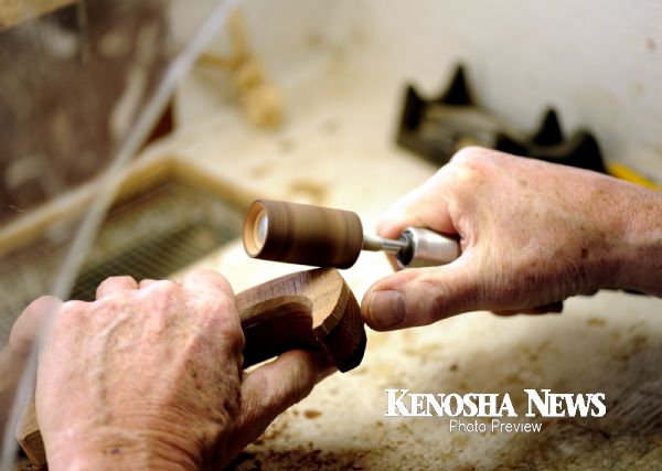 power carving a veterans eagle head cane handle